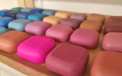 Barvení mýdel mica prášky – experiment