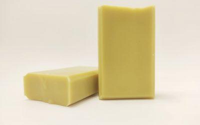 Mýdlo s avokádovým olejem a hedvábím